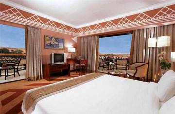 Movenpick_Aswan_bedroom_lrg