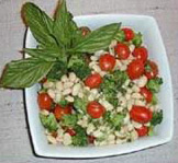 r02282005White_Bean_Salad_with_Tomato_Basil_Vinaigrette