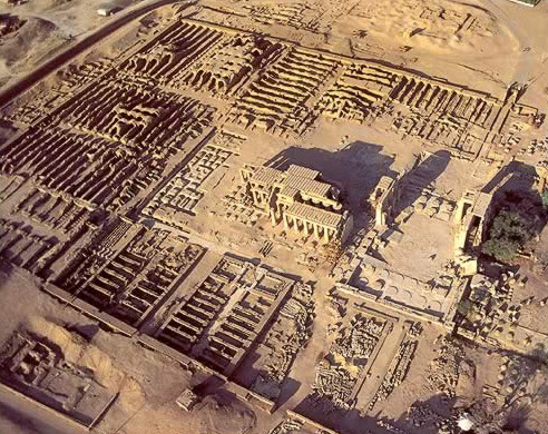 The Ramessuem on the West   Bank at   Luxor (Ancient Thebes)