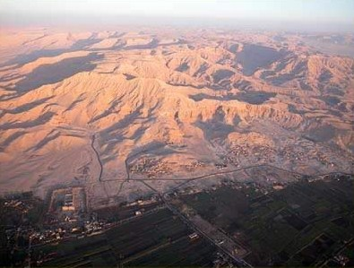 A view of the West Bank,  with the Nile Valley clearly separate from the desert mountains