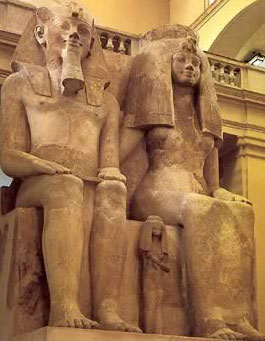 Monumental statue of  Amenhotep III and Tiy