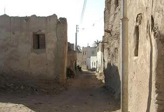 The oldest part of Bawiti, with its narrow street