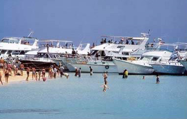 Modern Dive Boats Loading up in Hurghada