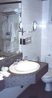 Cecil hotel bathroom