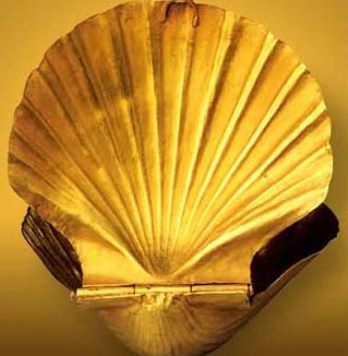 A beautiful receptacle in the form of a shell made from gold, and dating to the 3rd Dynasty Reign of Sekhemkhet