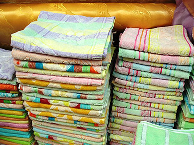 Pure, soft Egyptian towels in a variety of colors
