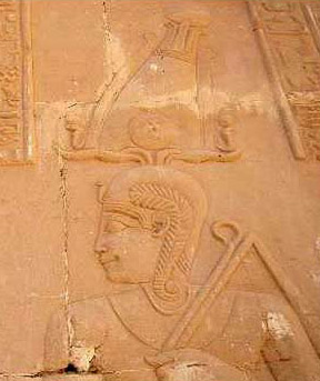 A depiction of Khonsu at the Temple of Deir el-Hagar (Copyright Alain Guilleux Une promenade en Egypte)
