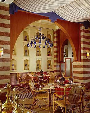 The Ablaq desing of the Arabesque Restaurant at the Four Seasons in Sharm