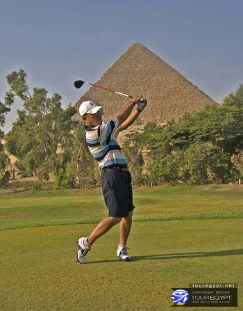 Golfing at the Mena House Oberoi by the Great Pyramids