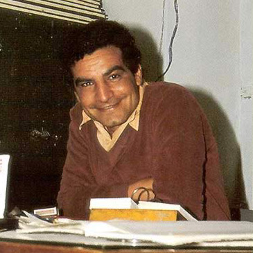 A much younger Zahi Hawass just after being named inspector of the Giza Plateau