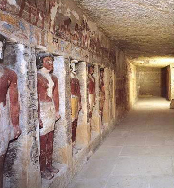 The chapel, with engaged statues, in the tomb of Irukaptah, the Butcher