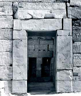 Doorway to the capel of Khonsu in the Barque Chapel of Seti II