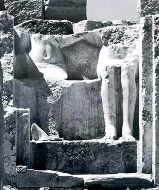 A closer view of the two statues within the naos of the chapel at Karnak