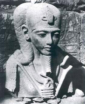 Statue of Khonsu at the time of its discovery in 1903