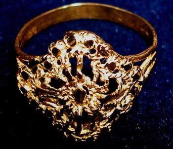 A gold ring for my wife