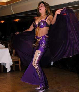 Hend, the belly dance on the Nile Crystal
