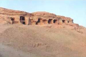 Closer view of the hillside at Gebel al-Mawta