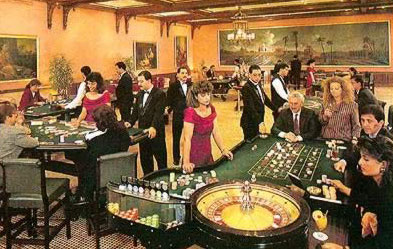 The mena house has many Casinos like Sultan Bar, Mameluke bar,Abu Nawas night club and oasis club.