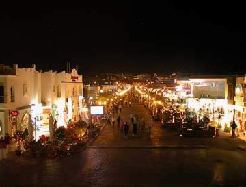 Looking down the avenue just south of the Movenpick in Sharm el-Sheikh, Egypt