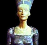 Bust of Nefertiti on statue body