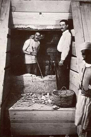 Howard Carter and Arthur Mace