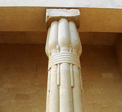 A closer view of one of the columns in the vistibule