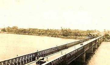 The Qasr El Nile Bridge just after completion