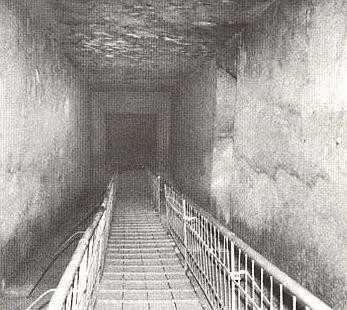 The long, great corridor of the Royal tomb