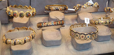 More colorful gold rings in the Sagha district