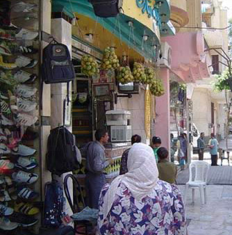 People shopping in Shubra