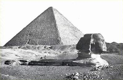 Some times, it is difficult to imaging that, at the dawn of the use of photographic images, the Great Sphinx remained mostly buried beneath the sands