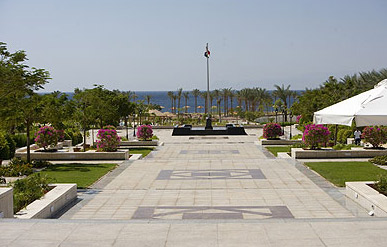 The Movenpick gardens along side the hotel leading to the beach