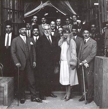 Howard Carter, Pierre Lacau and members of the Egyptian government in front of the tomb of Seti II